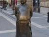 Bronzemännchen mit Streichelbauch