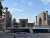 Registan in Samarkand. Hier wurde gerade die Bühne für das Festival für orientalische Musik aufgebaut. Muss ein tolles Erlebnis sein, in dieser Umgebung schöne Musik zu hören.