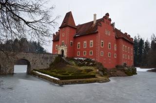 Zamek, in Tschechien ein Schloss, in Deutschland ein Suppenkönig