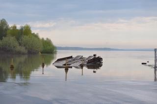 Verladerampe im Hochwasser der Donau