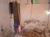 Der Wasserkran auf Höhe eines Fußknöchels, aber mit Dusche!