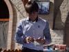 Im Restaurant wird beim Bezahlen dem Kellner oft einfach ein dickes Bündel Scheine in die Hand gedrückt. Er übernimmt dann mit gekonnter Technik das Zählen und gibt den Rest zurück.