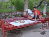 Erst Essen dann Schlafen im Freien auf dem Tapchan